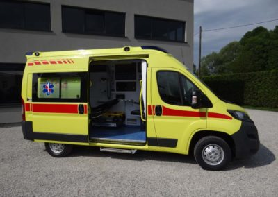 MS ambulance model M2