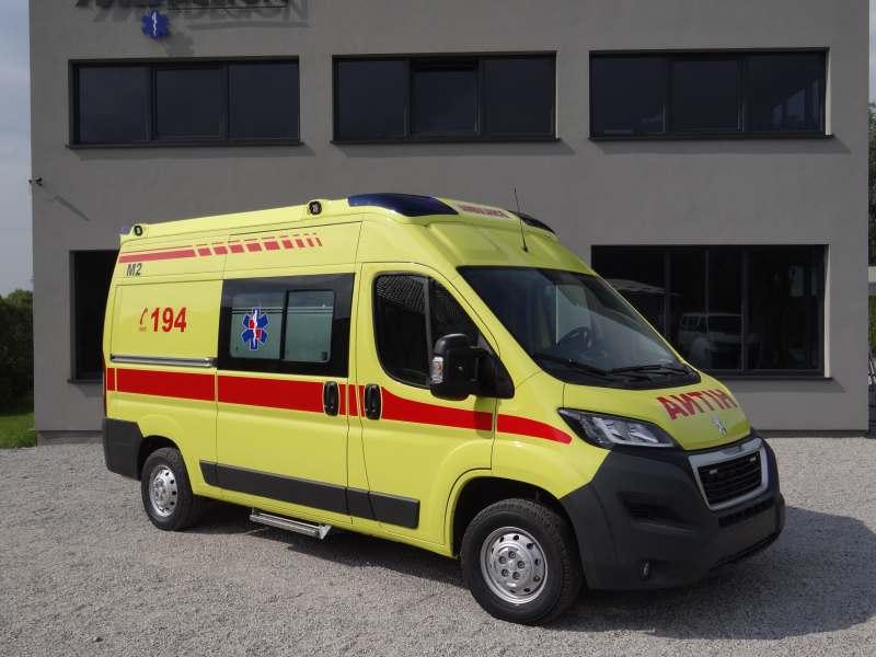Vozilo hitne pomoci M2