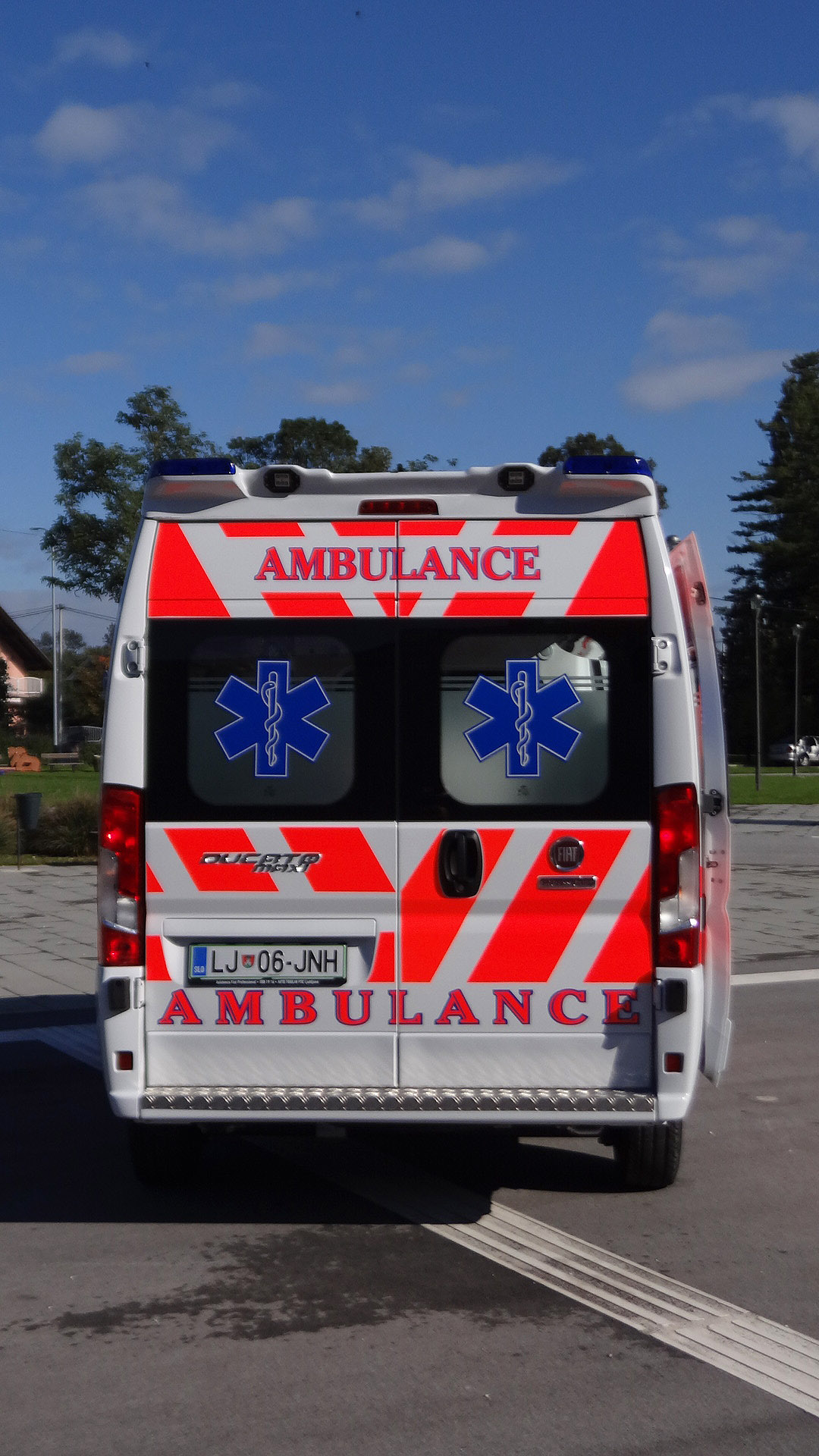 MS AMBULANCE MODEL M2-3 (21)