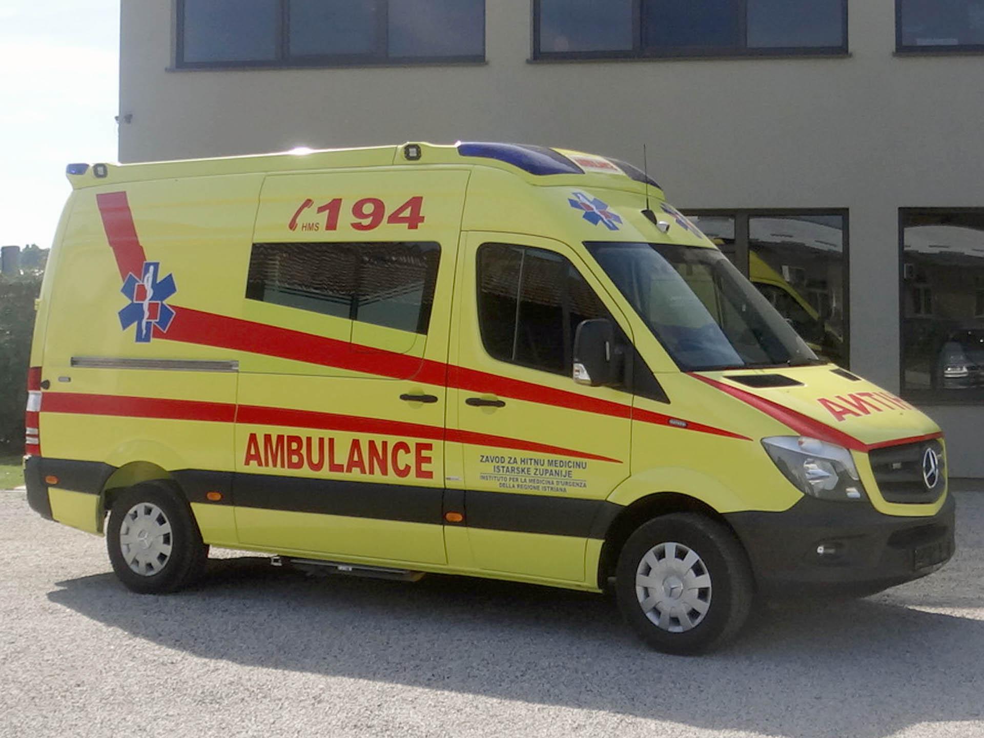 Vozilo hitne pomoći Mercedes